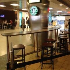 Photo taken at Starbucks by Ro S. on 6/15/2012