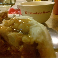 Photo taken at Kowloon House by Jaycee Z. on 7/20/2012