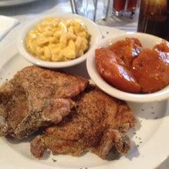 Photo taken at Beans & Cornbread by La La J. on 4/26/2012
