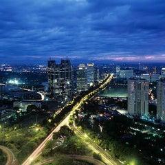 Photo taken at Jembatan Semanggi by Jakarta Badge on 3/8/2012