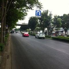 Photo taken at กาแฟสด เมืองทอง 2/3 by vince v. on 2/12/2012