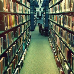 Photo taken at Beverly Hills Public Library by Julio P. on 6/20/2012