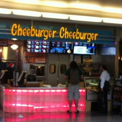Photo taken at Cheeburger Cheeburger by Darryl R. on 6/12/2012