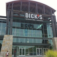 Photo taken at Dick's Sporting Goods by Ya K. on 6/28/2012