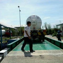 Photo taken at Kawasan Industri Delta Silicon 3 Lippo Cikarang by Aji B. on 3/22/2012
