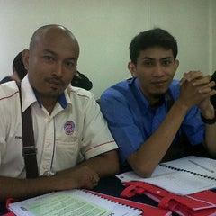 Photo taken at Tanah Perkuburan Makam Lama by ahmad sufri bin nordin a. on 5/22/2012