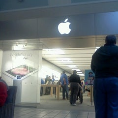 Photo taken at Apple Store, Maine Mall by Robert T. on 6/13/2012