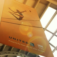 Photo taken at United Airlines Global Reception by Peter H. on 7/9/2012