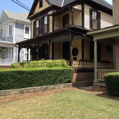 Photo taken at Martin Luther King Jr. Birth Home by Vera W. on 7/9/2012