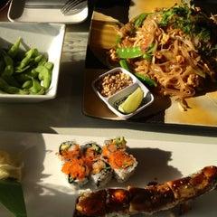 Photo taken at Moshi Sushi Bar by Myra S. on 5/24/2012