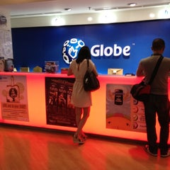Photo taken at Globe Store by Amiel F. on 5/5/2012