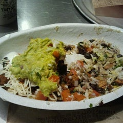 Photo taken at Chipotle Mexican Grill by Kristina L. on 2/6/2012