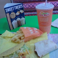 Photo taken at Del Taco by Deanne F. on 7/5/2012