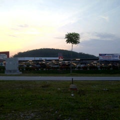 Photo taken at Tesco by Ramnazrin R. on 9/10/2012