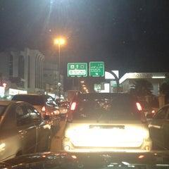 Photo taken at شارع فلسطين تقاطع المدينة by Mohammed A. on 6/7/2012
