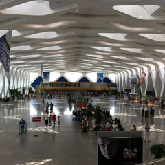 Photo taken at Aéroport de Marrakech Ménara | مطار مراكش المنارة‎  (RAK) by Jesus d. on 7/20/2012