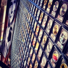 Photo taken at Country Music Hall of Fame® and Museum by Chris B. on 4/19/2012