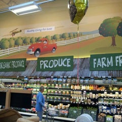 Photo taken at Sprouts Farmers Market by Joel S. on 3/14/2012
