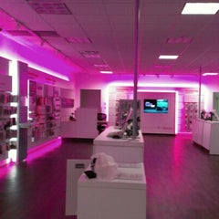 Photo taken at T-Mobile by ☆ C a r m s ☆ on 8/4/2012