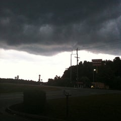 Photo taken at Huddle House by Evelyn N. on 7/28/2012