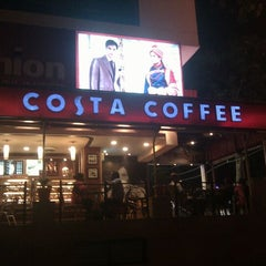 Photo taken at Costa Coffee by Suresh G. on 2/14/2012