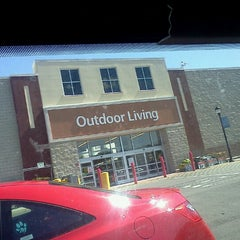 Photo taken at Walmart Supercenter by Glenn R. on 6/26/2012