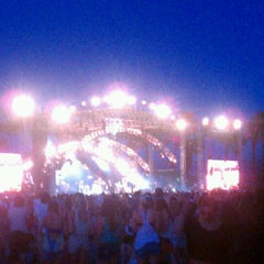 Photo taken at Coachella Outdoor Theatre by Marla @. on 4/21/2012