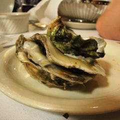 Photo taken at Sea Catch Restaurant & Raw Bar by Alice F. on 7/21/2012
