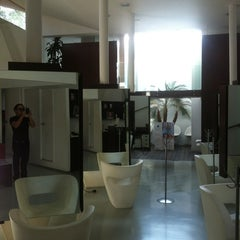 Photo taken at SELF Estética & Spa by Eddy on 5/4/2012