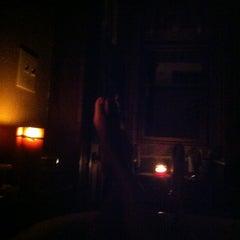 Photo taken at nella vasca da bagno, ascoltare musica, prendendo le mie preoccupazioni lontano by Drew on 4/29/2012