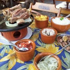 Photo taken at Espaço Malagueta by Rusdelon J. on 3/24/2012