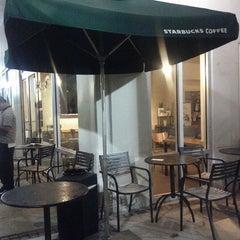 Photo taken at Starbucks by Joselyn C. on 6/15/2012