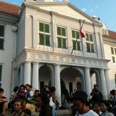 Photo taken at Museum Sejarah Jakarta (Museum Fatahillah) by Roni R. on 5/26/2012