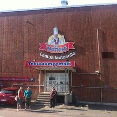 Photo taken at Chef Wotkin's Tehtaanmyymälä by Niko K. on 8/3/2012