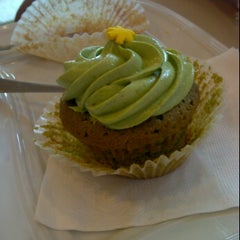 Photo taken at Tea Party Cupcakes by elamie on 5/4/2012