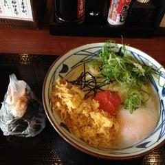 Photo taken at 丸亀製麺 熊本佐土原店 by mpuru on 5/24/2012