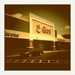 Photo taken at Giant by Nakeva (Photography) C. on 4/29/2012