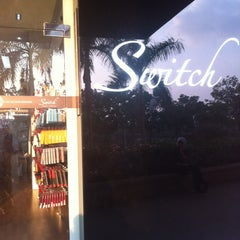 Photo taken at Switch (Apple Premium Reseller) by Nazrin on 6/26/2012