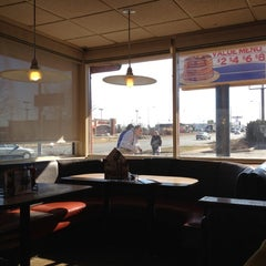 Photo taken at Denny's by Edson N. on 2/9/2012
