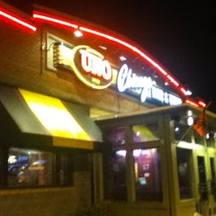 Photo taken at Uno Pizzeria & Grill - Exton by Brian C. on 3/3/2012