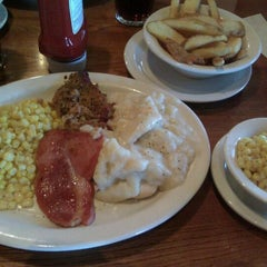 Photo taken at Cracker Barrel Old Country Store by Jim B. on 4/24/2012
