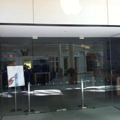 Photo taken at Apple Store, Burlington by Mark M. on 3/11/2012