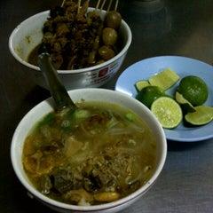 Photo taken at Soto Ayam & Ayam Goreng Bangkong by Ermaya A. on 7/6/2012
