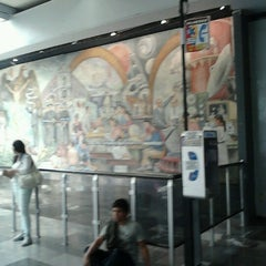 Photo taken at Metro Universidad (Línea 3) by gh r. on 6/24/2012