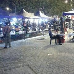 Photo taken at Pasar Karat (Bazar JB) by Oll S. on 8/22/2012