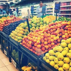 Photo taken at Spinneys سبينس by Khrystyn T. on 5/31/2012