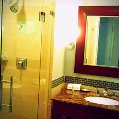 Photo taken at The Westin Reston Heights by Elizabeth on 7/7/2012
