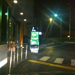 Photo taken at McDonald's by Alfredo F. on 5/6/2012