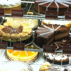 Photo taken at The Cheesecake Factory by Slink M. on 8/16/2012