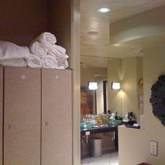 Photo taken at Spa Utopia - Pan Pacific by Dory L. on 8/11/2012
